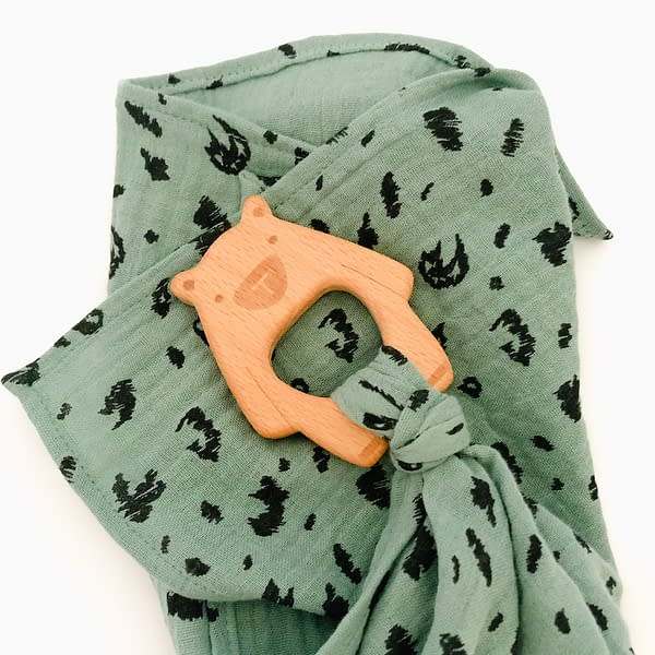 Muslin square for baby with beechwood teether